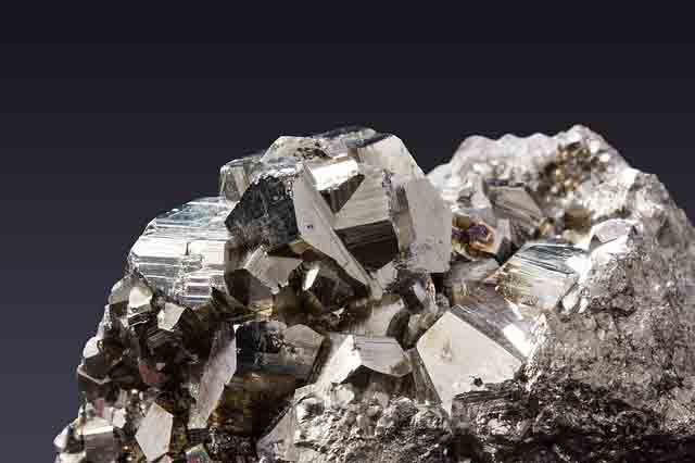 mineral pirita sulfuro de hierro